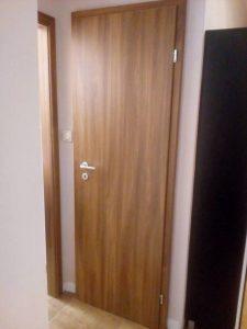 Монтирана врата Сентчъри 1 акация