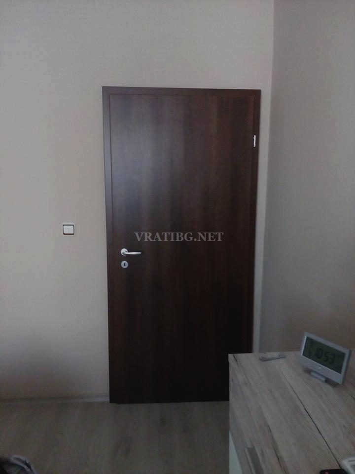 Монтирана врата Century 1 Classen орех с камуфлажна каса