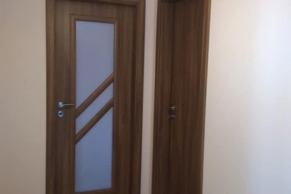 Монтирана врата Century 1 и Antiope 3 Classen акацияb