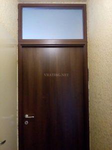 Монтирана врата с надстройка