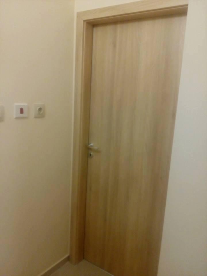 Монтирана врата Сентчъри ясен снежен