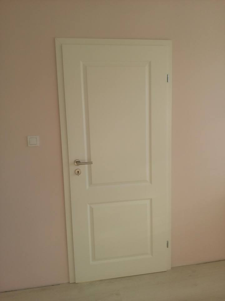 Монтирана врата Морано 2.1 Класен с регулируема каса