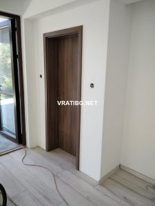 Монтирана врата Сентчъри 1 ясен графит