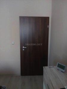 Монтирана врата Сентчъри 1 орех без къртене